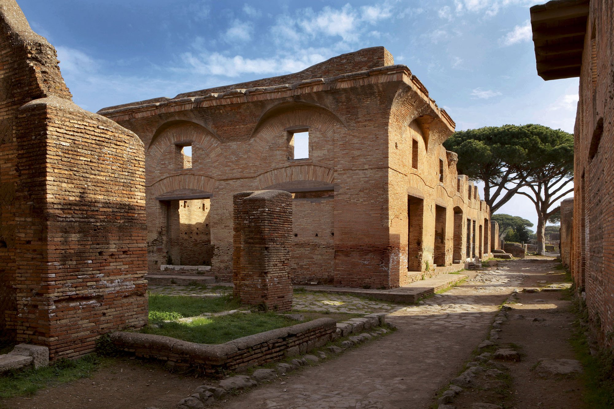 Roman Architecture Buildings 289-roman architecture, residential buildings, ostia: remains of