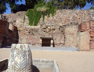 Emerita-teatro-aula-sacra