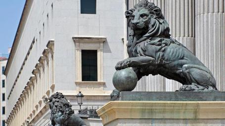 Congreso-de-los-Diputados-leones