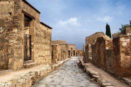 Pompeya-Via-de-la-Abundancia