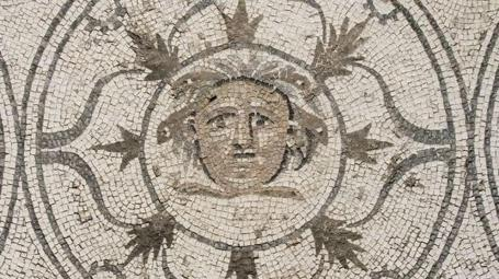 mosaico-medusa