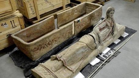 sarcofago-etrusco-recupeardo