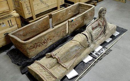 sarcofago_etrusco_joven_reclinada