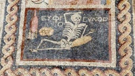 mosaico-esqueleto