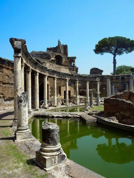 villa-adriana-teatro-maritimo