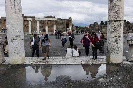 turistas-pompeya