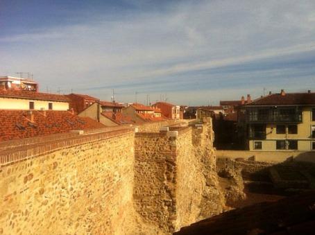 muralla_leon_paseable