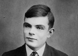 Alan Turing, cuyo famoso test está impregnado de contexto filosófico.