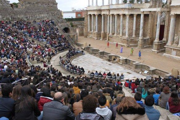 Educación convoca el XII Concurso Nacional de Teatro Clásico Grecolatino de  los centros docentes | La túnica de Neso