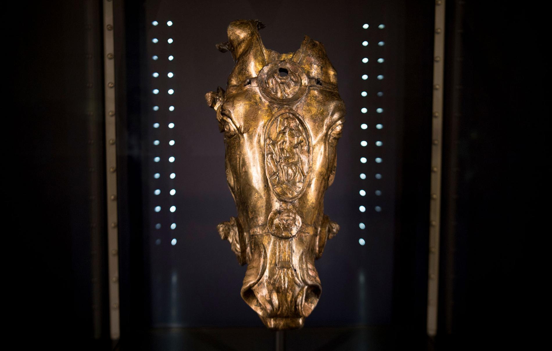 La cabeza dorada que añade un giro inesperado a la historia de la antigua Roma